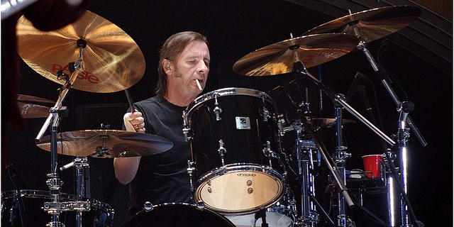 Phil Rudd na temat AC/DC