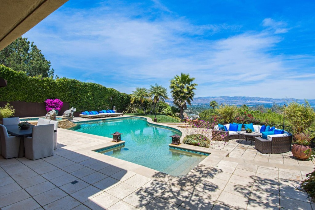 Tommy-Lee-Calabasas-Estate-Pool-Area