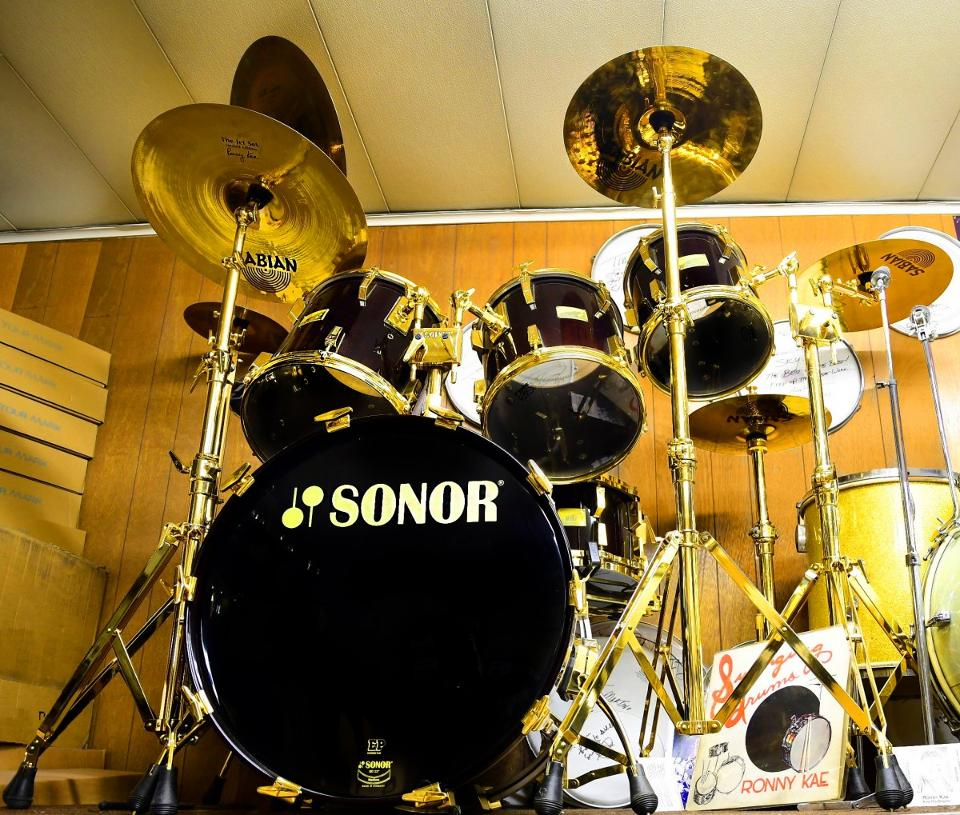 gold-drumset-front-1200x1019