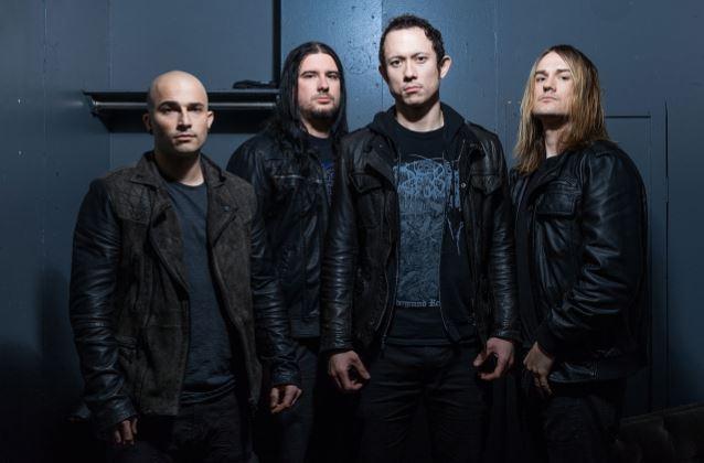 Basista zespołu TRIVIUM zdradza powody zmiany na miejscu stołka perkusyjnego