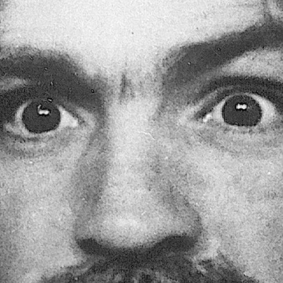 Historia o perkusiście Beach Boys i seryjnym mordercy
