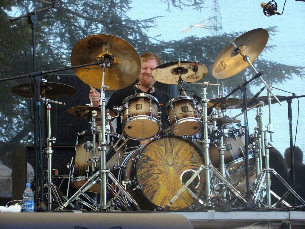 Sean Reinert perkusistą Perfect Beings