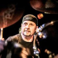 Dave Lombardo o młodszych bębniarzach i poleganiu na technologii