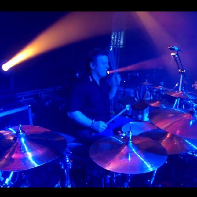 Robert Ligiewicz perkusista zespołu HEY w obiektywie BeatIt