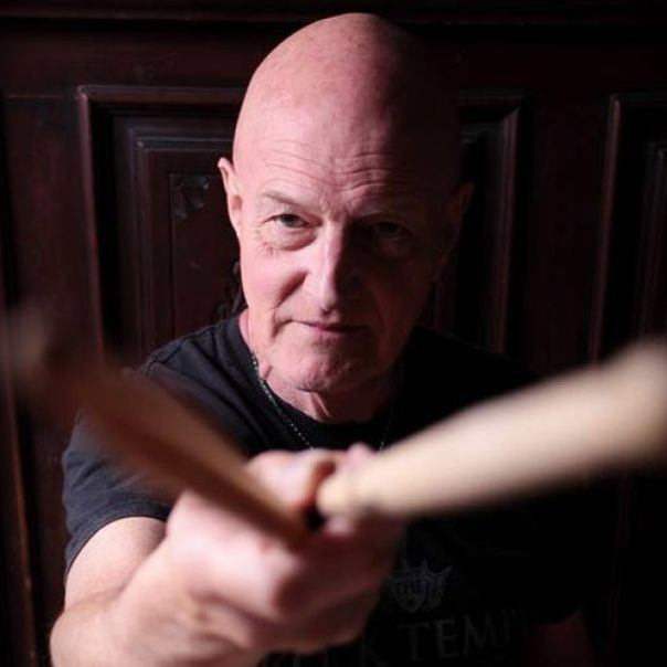 Czy perkusista AC/DC planuje przejść na emeryturę?