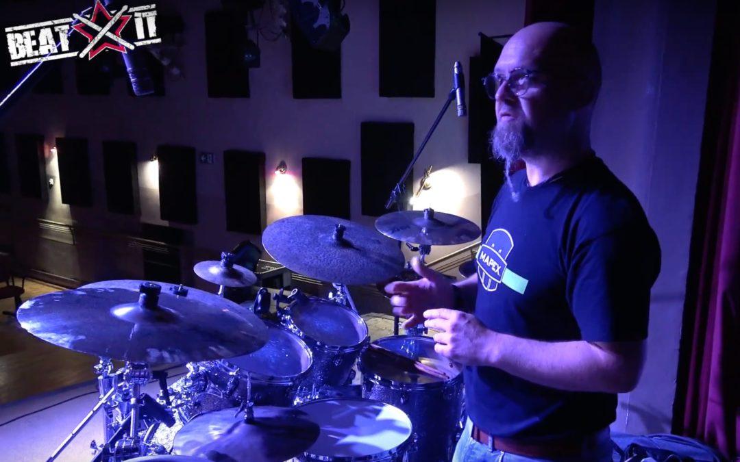 Claus Hessler prezentuje swój zestaw perkusyjny