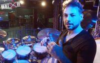 Mirkko DeMaio przedstawia swój zestaw perkusyjny